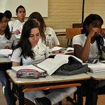 Educação - ENEM 2011 - Exame vale o acesso à seleção unificada, ao ProUni e ao Fies.