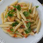 Culinária - Penne com camarão e manjericão