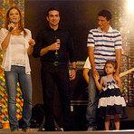 O jogador Elano e família: participam da 3ª noite de carnaval na Canção Nova