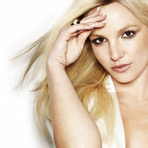 Música - Britney Spears lança perfume dois em um 'Fantasy Twist'.