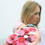 Entretenimento - Britânica tem fobia de botões e só consegue usar roupas com zíper
