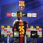 Futebol - Barcelona apresenta Alex Song, ex-Arsenal