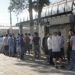 Futebol - Em fila de 40m, Gremistas esgotam ingressos para o GRE-NAL em 2h