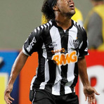 Futebol - Então você resolveu jogar bola, Ronaldinho???