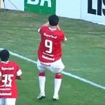 Futebol - Internacional 4 x 1 Flamengo: Forlán comanda virada colorada no Beira-Rio