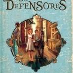 Livros - CONHEÇAM OS DEFENSORES – MUSEU DE LADRÕES, POR LIAN TANNER