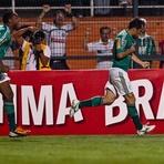 Futebol - Palmeiras vence o Sport por 3 a 1 e respira