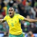 Futebol - Craques brasileiros se encontram com 'espelho' Tshabalala no Morumbi