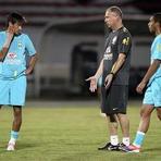 Futebol - No Recife, Brasil tenta se redimir com torcida em jogo contra a China