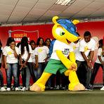 Futebol - Mascote da Copa de 2014 faz aparição pública no Rio