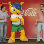 Futebol - Promoção coca cola O Mascote É Nosso