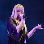 Música - Demi Lovato faz cover de Chris Brown em show no Rio de Janeiro