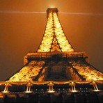 Entretenimento - Sinta-se no alto da Torre Eiffel...