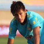 Futebol - Neymar chega ao fim do ano com chance de superar Messi