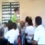 Sobral/CE: Vídeo flagra professora puxando orelha de aluno em classe