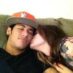 Entretenimento - Bruna Marquezine e Neymar finalmente assumem o namoro