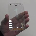 Empresa apresenta smartphone transparente