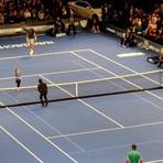 Esportes - Menina de 9 anos rouba a cena em partida de tênis contra Nadal e Ben Stiller