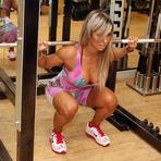 Saúde - Agachamento define pernas, bumbum e barriga
