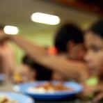 Opinião e Notícias - Alunos de escolas públicas de Areal reclamam da qualidade da merenda