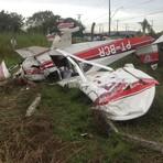 diHITT & Você - Avião monomotor cai em Resende, no Sul do RJ