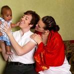 GLS - Fotógrafa registra o cotidiano de famílias formadas por casais homossexuais