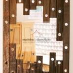 Arquitetura e decoração - Molduras para quadros e espelhos feitas de madeira de demolição.