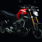 Automóveis - Nova Yamaha MT-09 com motor Tricilíndrico