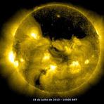 Ciência - Registrado gigantesco buraco no Sol