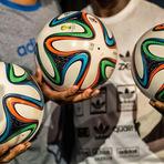 Esportes - Os goleiros vão sofrer na Copa, dizem ex-jogadores sobre bola Brazuca