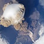 NASA captura erupção vulcânica a partir do espaço (com video)