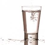 Tecnologia & Ciência - Nova máquina de lavar roupas usa apenas um copo de água