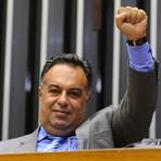 Eleições 2012 - Delação premiada deve complicar a vida do petista André Vargas, coordenador da campanha de Gleisi