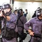 As invasões, violência, greves e o clamor do povo, é um cenário de revolução