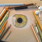 Arte & Cultura - Artista de 19 anos desenha olhos hiper-realistas usando apenas lápis colorido