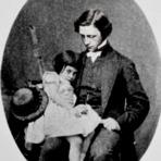 Arte & Cultura - Resenha: Aventuras de Alice no País das Maravilhas e Através do Espelho, de Lewis Carroll