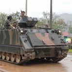 Internacional - Tanques de Guerra Nos EUA e no Brasil, Estariam se Preparando Para uma Guerra Civil?