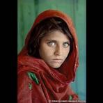 Arte & Cultura - Renomado fotógrafo de 'afegã de olhos verdes' expõe em Londres