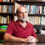 """Educação - """"A razão da má escola não é a falta de tempo"""", diz professor da USP"""