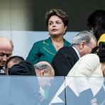 Eleições 2012 - Dilma discursa no DF e tenta minimizar as vaias e xingamentos de que foi alvo no Itaquerão