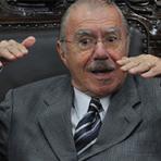 Política - José Sarney anuncia que desistiu da reeleição e deixará vida pública; boa parte do Brasil está em festa