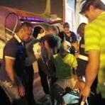 Copa do Mundo - VÍDEO: NEYMAR É CONFORTADO POR JOGADORES NA CHEGADA AO RIO; ASSISTA