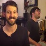 Música - Cantor faz sucesso ao imitar 29 vozes de famosos numa única música