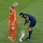 Copa do Mundo - Criador de spray para cobrança de faltas na Copa cedeu uso de graça
