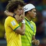 """Copa do Mundo - Aos prantos, David Luiz diz: """"só queria dar alegria ao povo"""""""